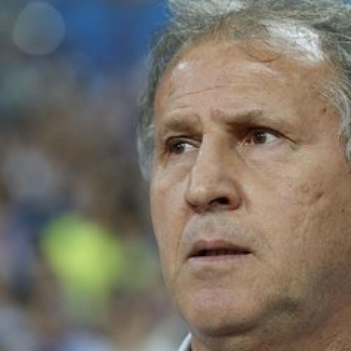Técnico Zico detona o futebol no Catar