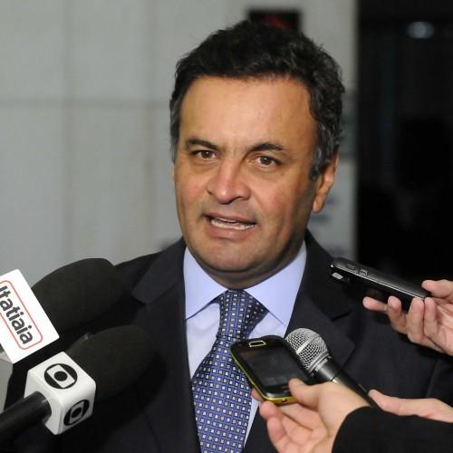 Aumento da rejeição de Aécio deixa em alerta o PSDB