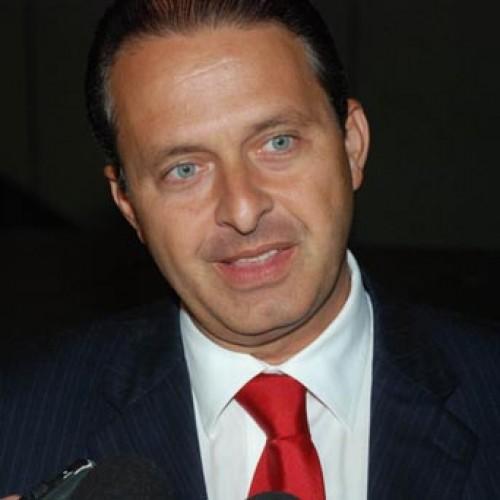 De olho nas eleições, Eduardo Campos anuncia que deixará governo do Pernambuco