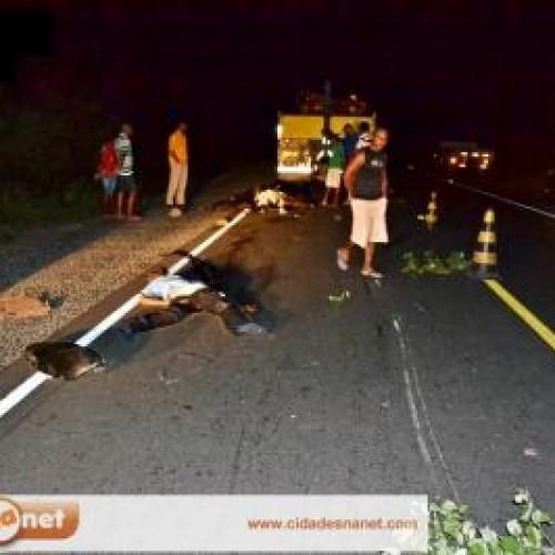 JAICÓS: Um homem morre e outro fica ferido em grave acidente na BR 407. Veja fotos!