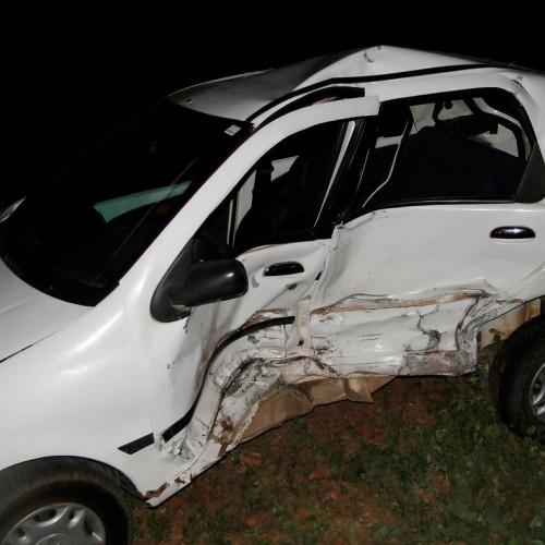 Dois carros se envolvem em acidente na BR 316, próximo a Vila Nova do Piauí. Veja fotos!