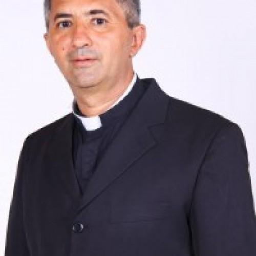 Paroquianos de Simões aguardam a chegada e posse do Padre Miguel Feitosa