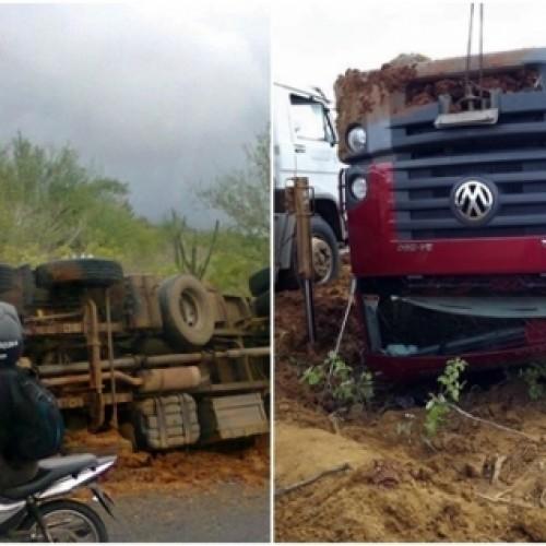 Dois caminhões tomba na PI143, após chuvas fortes em Jacobina do Piauí; Foto!