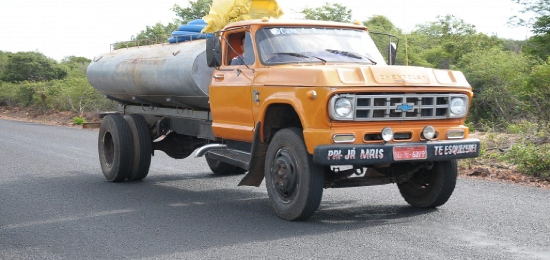 Governo retoma distribuição de água em 80 municípios