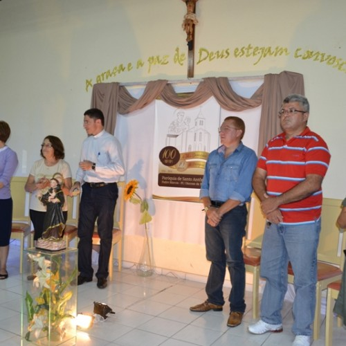 Paróquia de Padre Marcos lança símbolo oficial do centeário