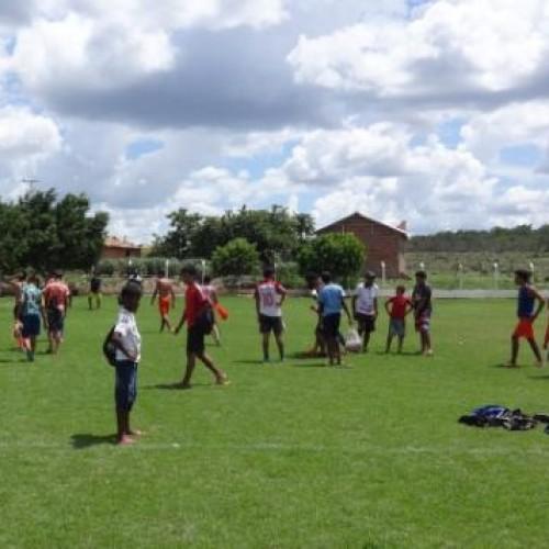 Olheiros selecionam 4 garotos da região de Picos para jogar no Criciúma