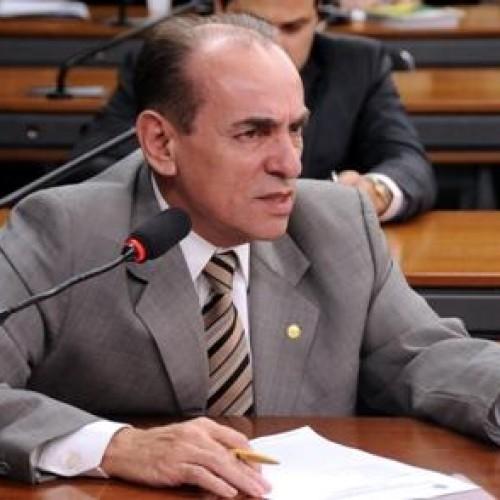 Marcelo é o candidato a governador independente de eu ser candidato, disse Wilson