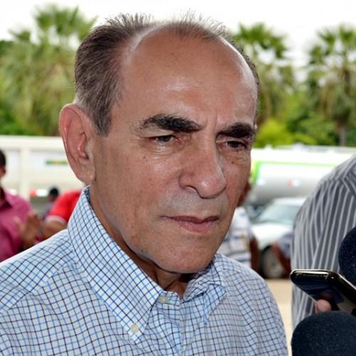 Marcelo Castro vota a favor da criação de comissão para apurar denúncias de corrupção na Petrobras