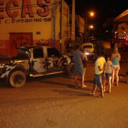 Após perseguição e acidente dois suspeitos são presos com revólver no bairro bomba em Picos