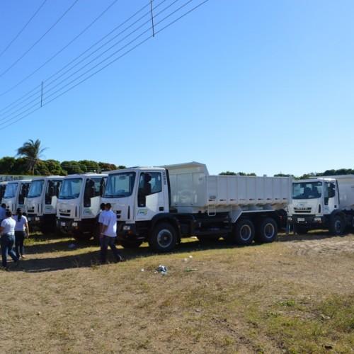 Municípios do Piauí recebem caminhões caçamba dia 11 de abril; veja a lista