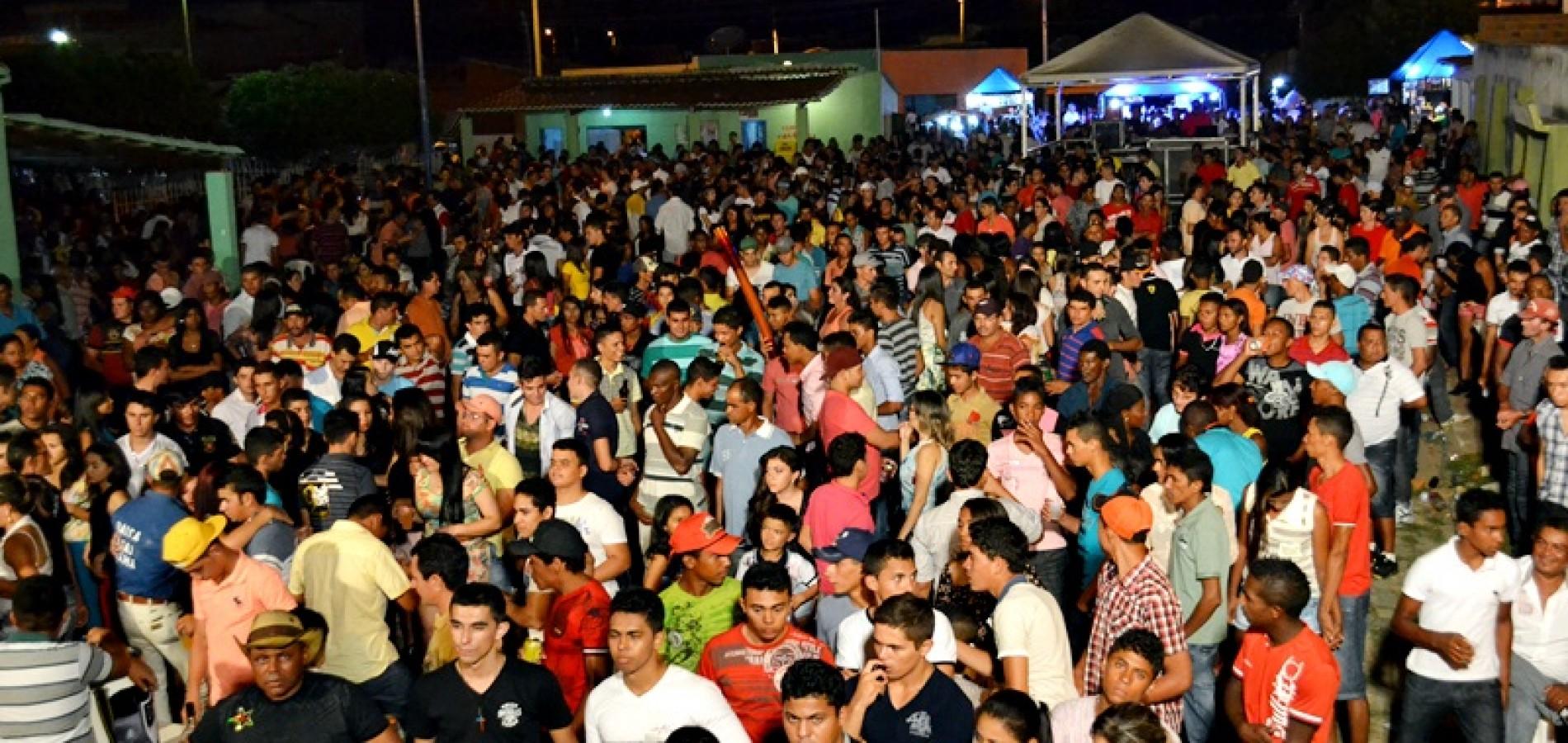 FOTOS: Show de Caninana do Forró em Belém do Piauí