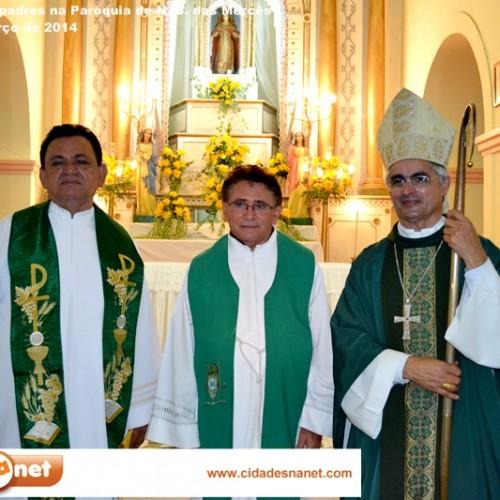Multidão de católicos acolhem os novos padres na Paróquia de Jaicós. Veja fotos!