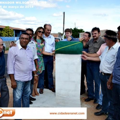 Fotos da visita do governador Wilson Martins ao município de Patos do Piauí