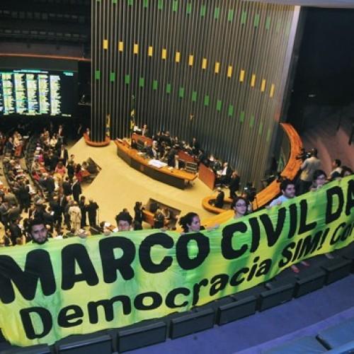 Deputados aprovam Marco Civil da Internet; entenda as polêmicas do projeto