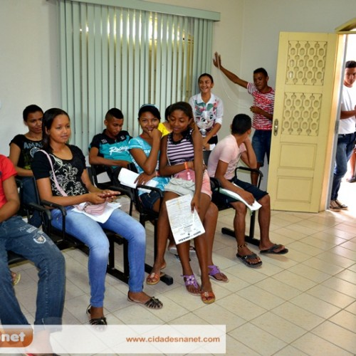 Adolescentes em busca do título eleitoral movimentam Cartório de Jaicós; prazo encerra 7 de maio
