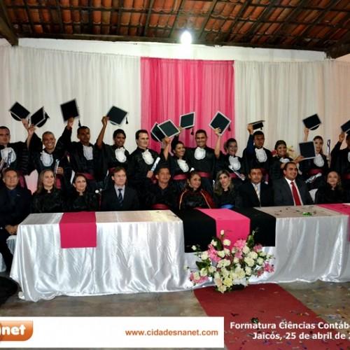 Faculdade Evangélica Cristo Rei forma a primeira turma de Contábeis; veja fotos
