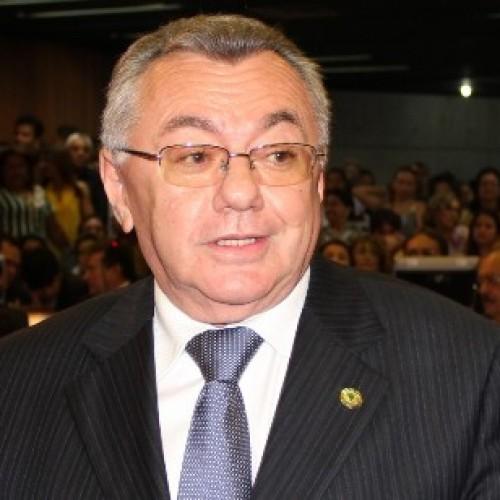 Kléber Eulálio confirma candidatura para o TCE