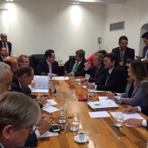 Senadores e deputados vão pedir a Dilma intervenção na Eletrobras/PI