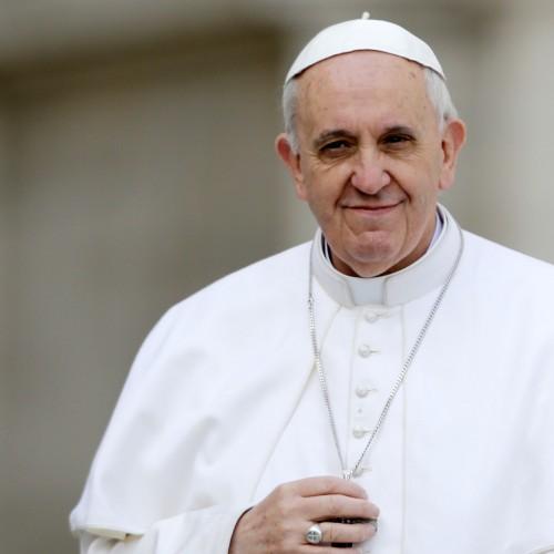 Papa pede que divorciados não sejam tratados como excomungados