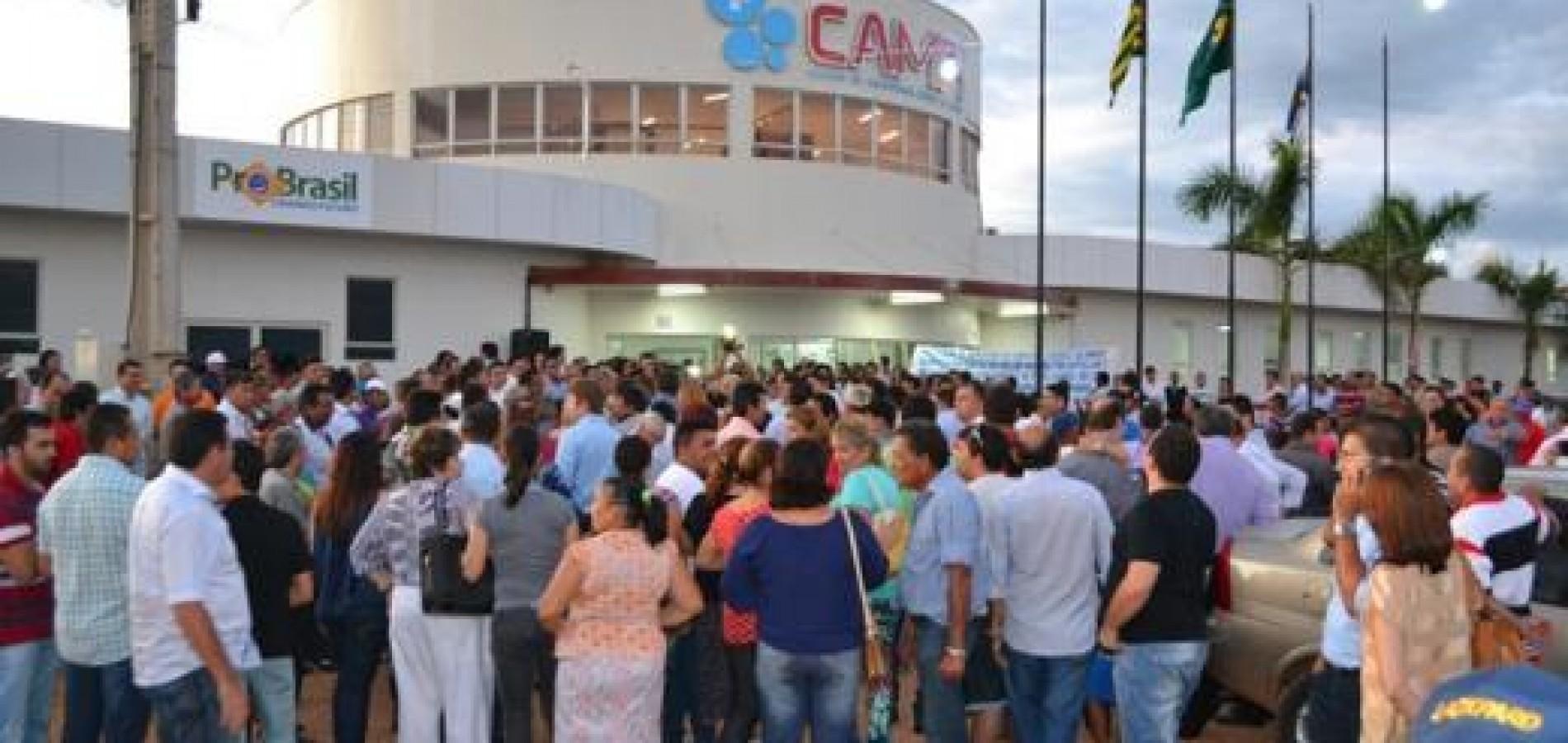 Policlínica de Picos é inaugurada com a presença de grande público. Veja!