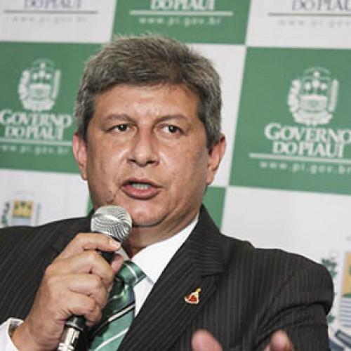 Novo governador do Piauí nomeia irmã e cunhado como secretários