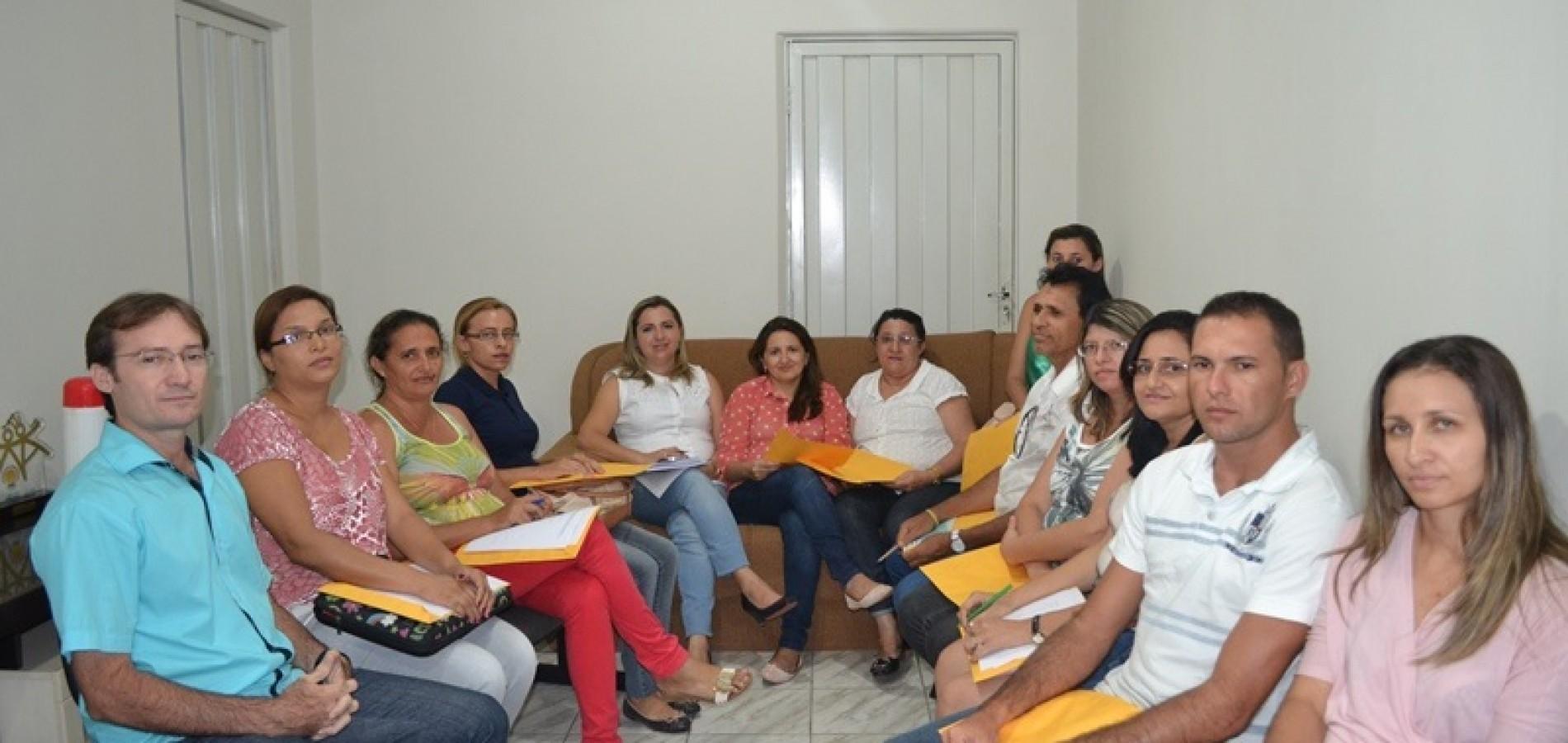 MASSAPÊ: Chico Carvalho reúne equipe para planejar evento contra abuso e exploração sexual
