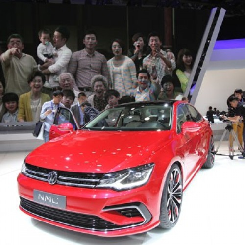 CARROS: Volks mostra novo sedã médio