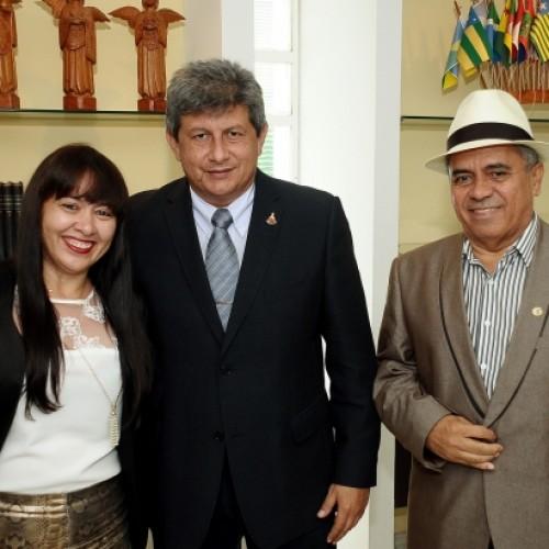 Waldelina e Crisanto tem audiência com o governador e tratam de obras para Jaicós