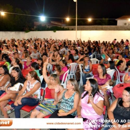 Educação homenageia 800 mães de alunos em Padre Marcos; veja fotos