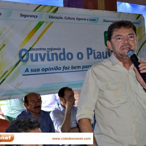 Em Picos, ex-governador Wilson Martins critica atuação dos três senadores piauienses