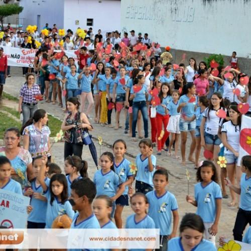 FOTOS: Caminhada de combate ao abuso e exploração sexual de menores