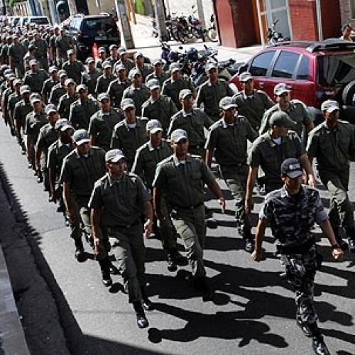 Policiais militares paralisam e ameaçam deflagrar greve no Piauí