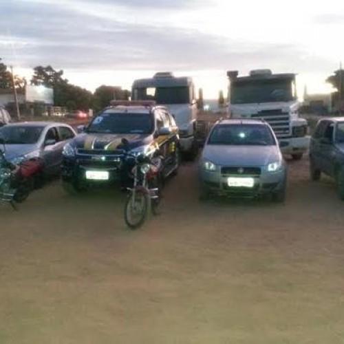 Duas pessoas são presas e dez veículos são apreendidos durante operação no Sul do Piauí