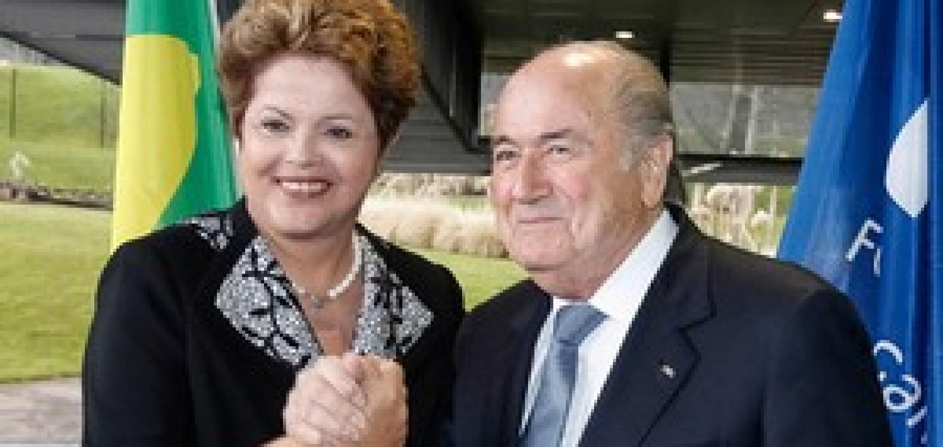 Dilma se reunirá com Blatter para receber taça da Copa do Mundo