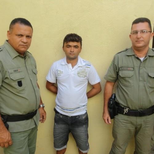 PM prende homem com moto roubada em Francisco Macedo