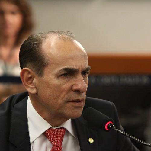 Marcelo Castro ameaça romper com governador e anunciar apoio a Wellington
