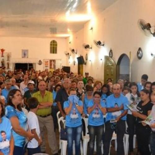 Visita e missa em homenagem a Edimar Bringeo é marcada por comoção; veja fotos
