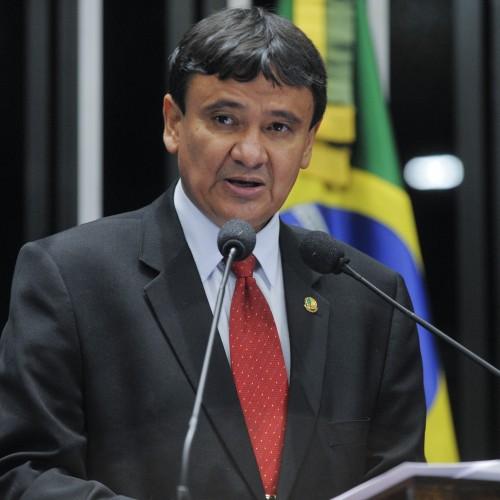 Wellington mantém a liderança e Mão Santa ultrapassa Marcelo Castro em nova pesquisa
