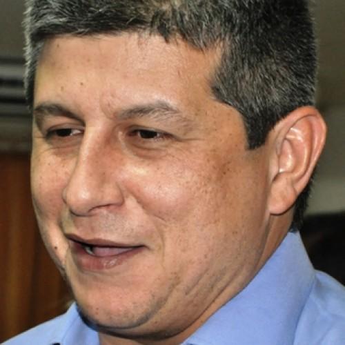 Zé Filho diz não fazer 'campanha para ninguém' e confunde líder do governo
