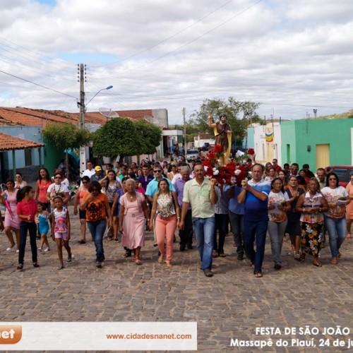 Fotos da missa solene e procissão de São João Batista, em Massapê do Piauí