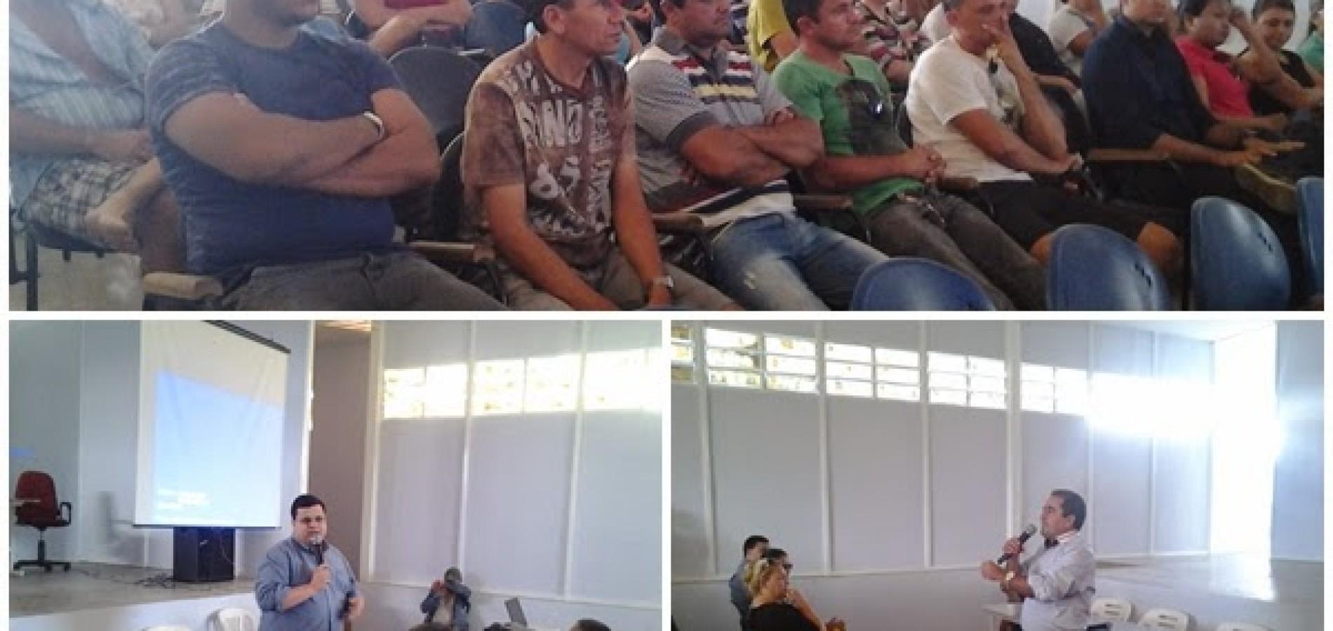 Prefeito de Fronteiras reúne comerciantes para tratar sobre 'bolsa família' municipal