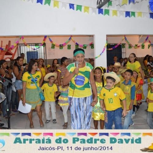 """JAICÓS: Escola Municipal realiza """"Arraiá do Padre David"""" em clima de Copa; veja fotos"""