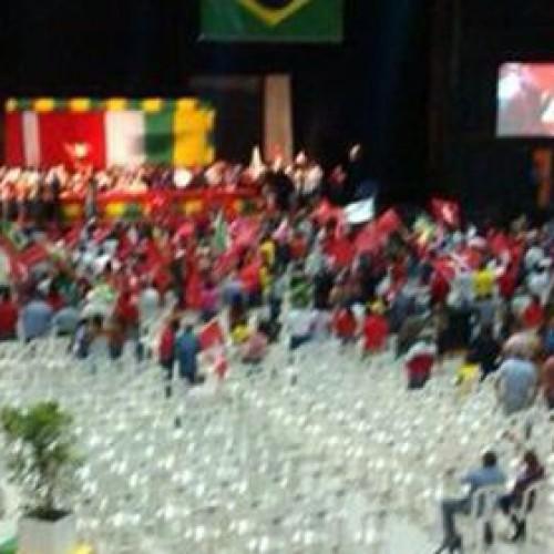 FRUSTRADA a expectativa de casa lotada na visita de Lula