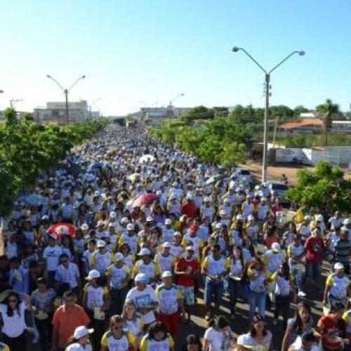 Caminhada da Solidariedade e da Paz reúne multidão em Picos