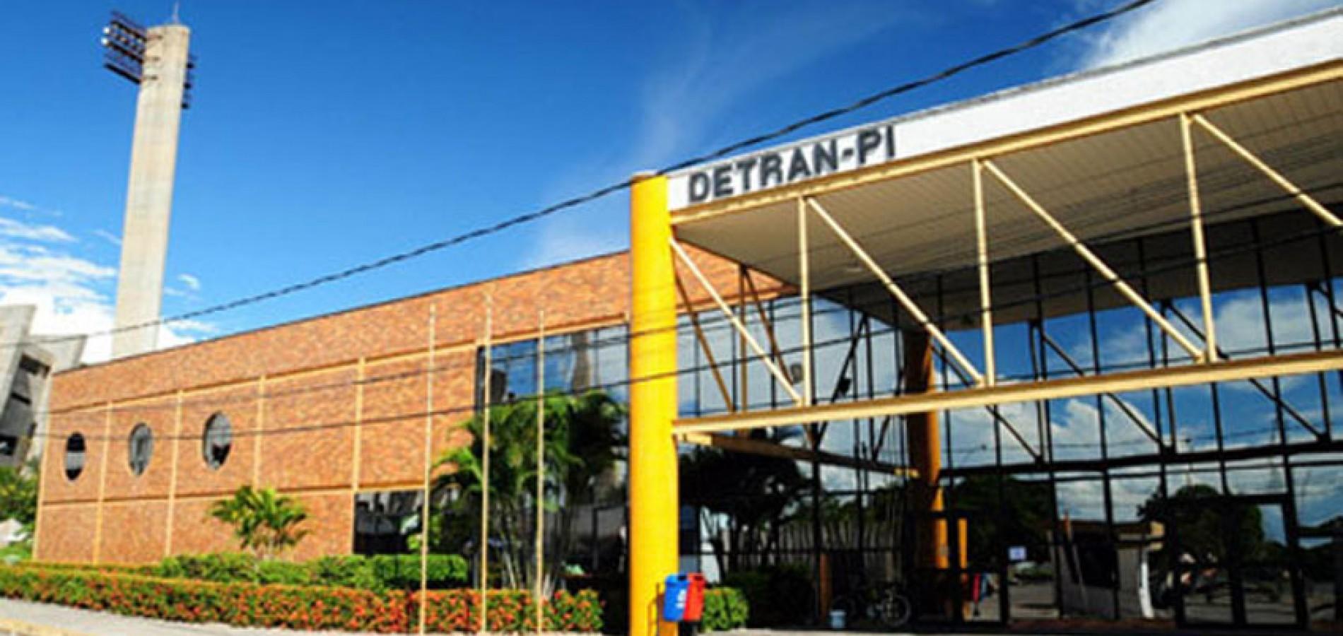 Serviços no Detran-PI param por falta de papel e pagamento de terceirizados
