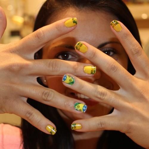 Unhas com cores do Brasil para a Copa são tendência entre mulheres; veja dicas