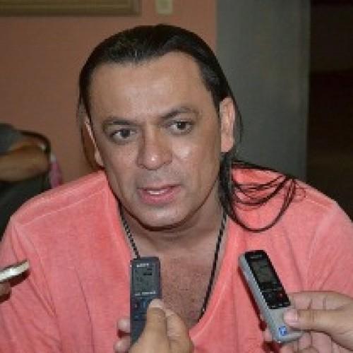 Frank Aguiar é acusado de cobrar cachê de participantes de seu programa na TV