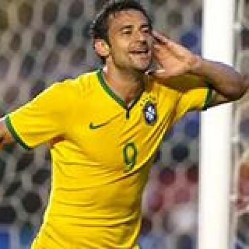 Brasil vence Sérvia por 1 a 0, após receber vaias na hora do intervalo