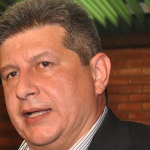 Informado sobre coletiva de Wellington Dias, Zé Filho adia entrevista sobre a crise do Estado