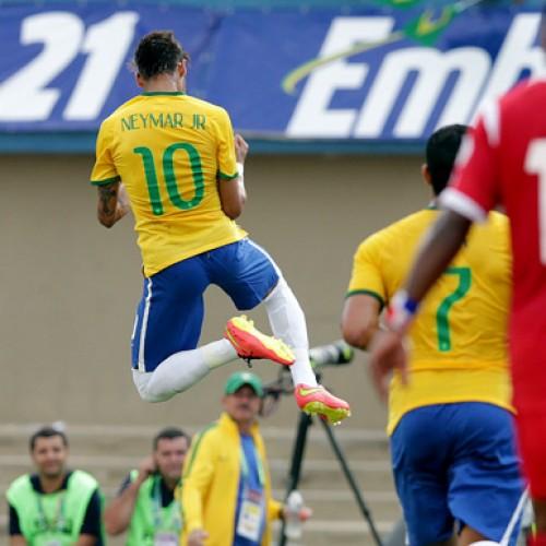 Brasil vence o Panamá em Goiânia com brilho de Neymar